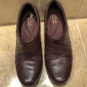 Clarks Slip-On Ankle Brown Women's Shoes. Size 8